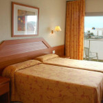 1373290992_h-top-royal-star-lloret-4-hotel-costa-brava-spain-room