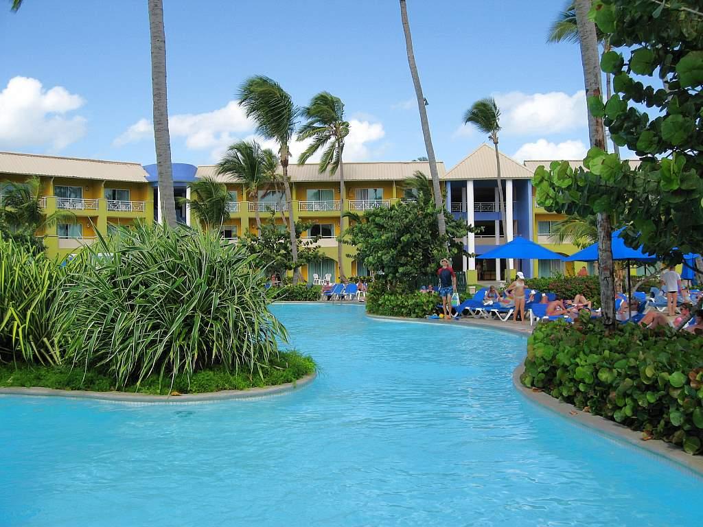 grand-paradise-bavaro-pool-004-1024